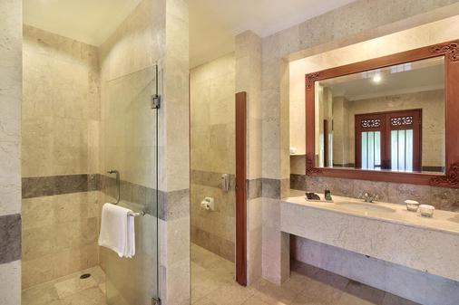 Hilton Bali Resort - South Kuta - Bathroom