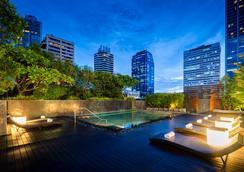 曼谷素坤逸 18 巷美蒂雅飯店 - 察殿精選 - 曼谷 - 游泳池
