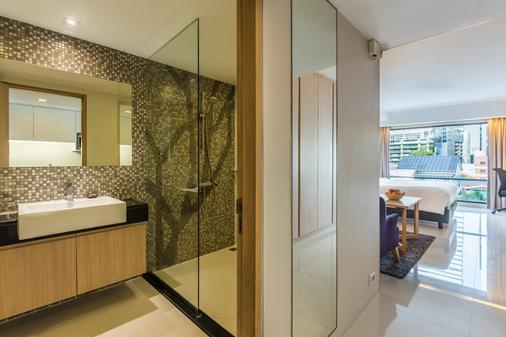 Maitria Hotel Sukhumvit 18 Bangkok- A Chatrium Collection - Bangkok - Bathroom