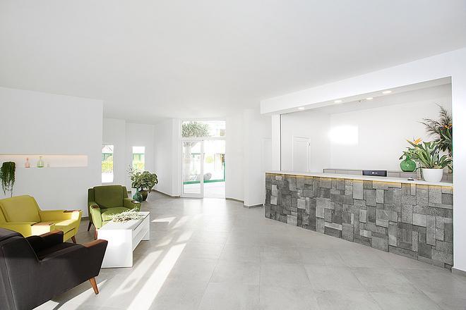 El Guarapo Apartamentos - Costa Teguise - Lobby