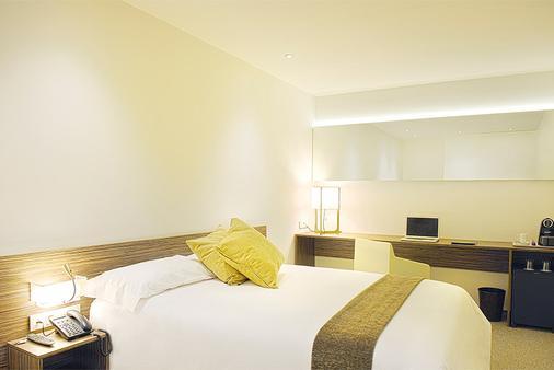 頂級旅行家馬德里航站客房酒店 - 馬德里 - 馬德里 - 臥室