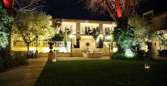 Villa Mazarin - Pariisi - Rakennus