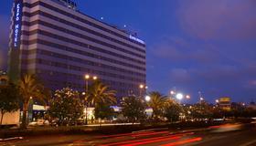 Expo Hotel Valencia - Valencia - Rakennus