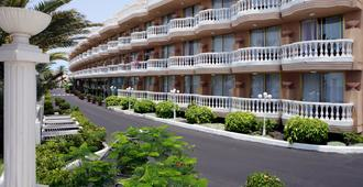 Cleopatra Palace Hotel - Arona - Κτίριο