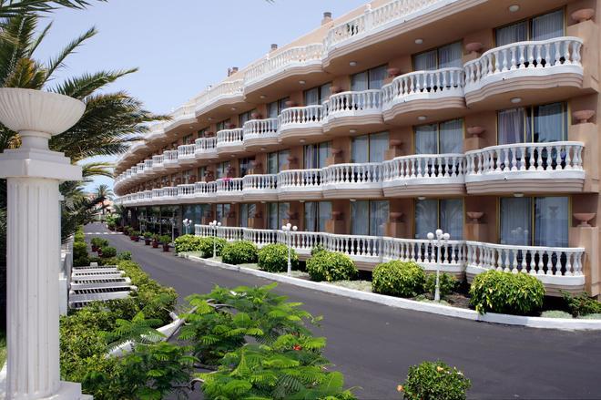 Cleopatra Palace Hotel - Arona - Building