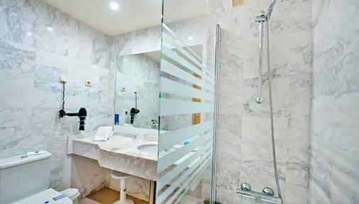 巴西亞熱帶酒店 - 阿爾穆涅卡爾 - 阿爾姆尼卡 - 浴室
