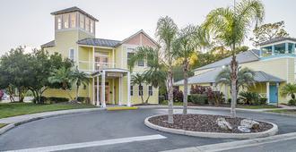 Barefoot N Resort by Diamond Resorts - Kissimmee - Building