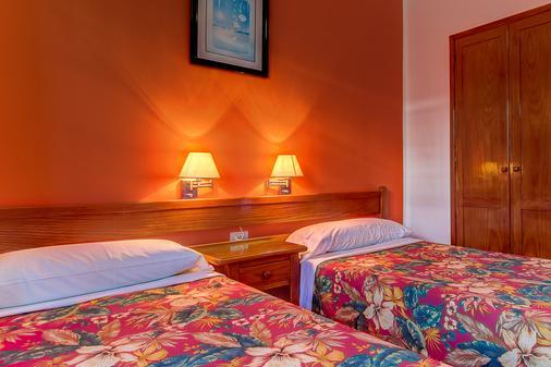 Montana Club Suite Hotel - Puerto del Carmen - Bedroom