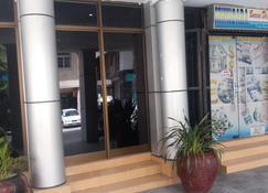 Durban Hotel - Daressalam - Außenansicht