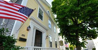 Periwinkle Inn - Nantucket