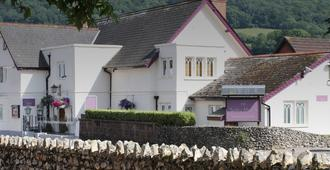 Salty Monk Hotel - Sidmouth - Building