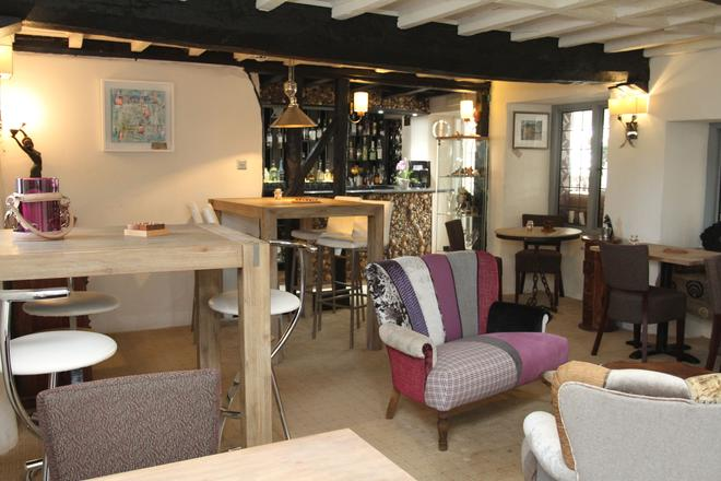 The Salty Monk - Sidmouth - Σαλόνι