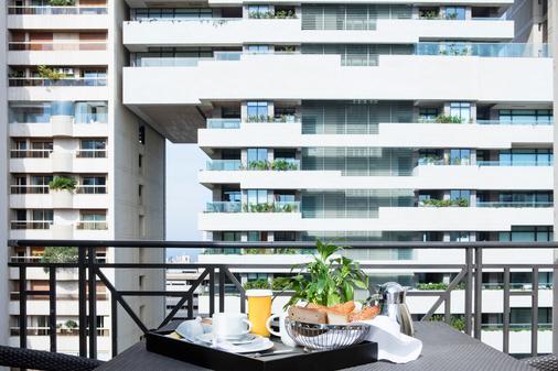 Sofitel Beirut Le Gabriel - Beirut - Balcony