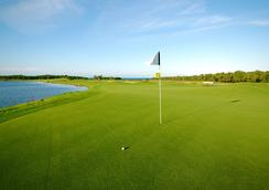Pristine Bay Resort - Coxen Hole - Sân golf