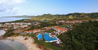 Pristine Bay Resort - Coxen Hole - Outdoors view