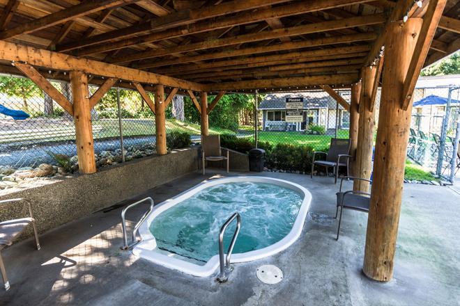 Ocean Trails Resort - Parksville - Pool