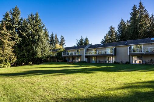 Ocean Trails Resort - Parksville - Building