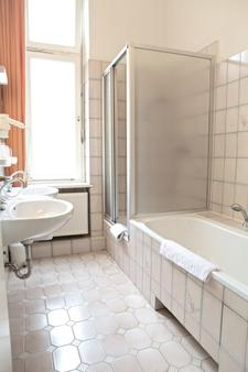 Fasanenhaus - Berlin - Bathroom
