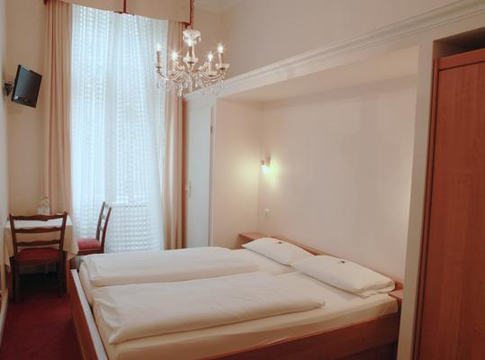 Hotel Pension Fasanenhaus - Berlin - Bedroom