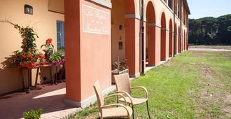Casale La Sterpaia - Pisa - Patio