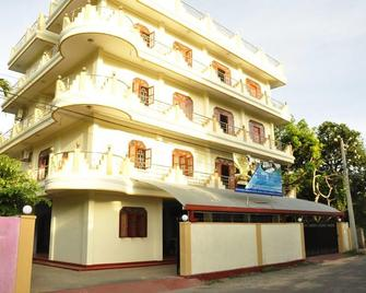 Hotel Blue Whale - Jaffna - Outdoors view