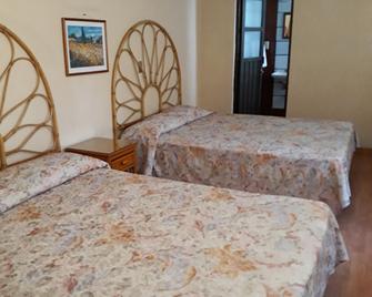 Hotel Canadá - Toluca - Schlafzimmer