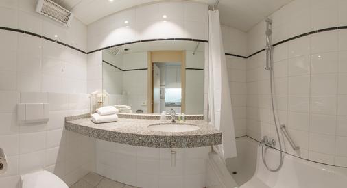 Arass Hotel Antwerp - Antwerp - Bathroom