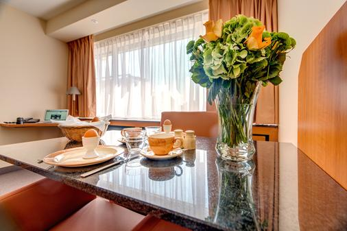 Arass Hotel Antwerp - Antwerp - Dining room