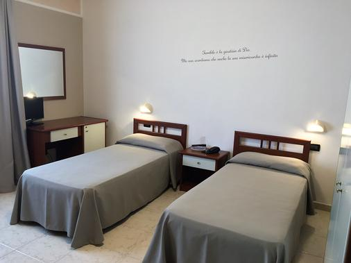 Hotel Euro - San Giovanni Rotondo - Phòng ngủ