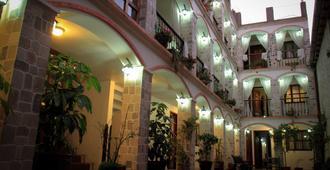 Villa de Tacvnga Hotel - Latacunga