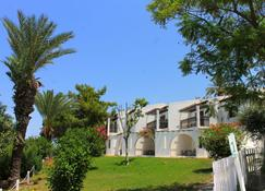 Latchi Family Resort - Polis Chrysochous - Building