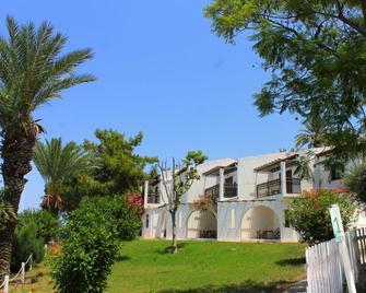 Latchi Family Resort - Polis Chrysochous - Rakennus
