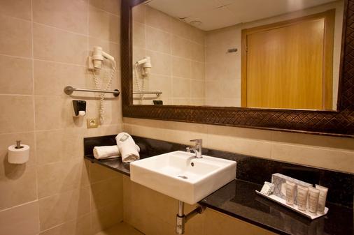 FERGUS Style Bahamas - Sant Jordi de ses Salines - Bathroom