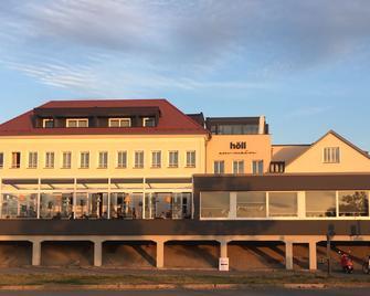 Höll Am Main - Rüsselsheim - Building