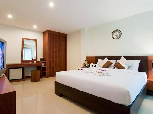 Deva Suites Patong - Patong - Bedroom