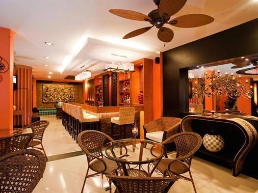 Deva Suites Patong - Patong - Bar