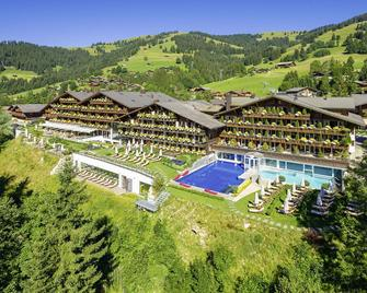 Ermitage Wellness- & Spa-Hotel - Saanen - Building