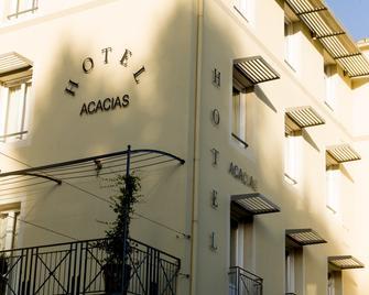 Brit Hôtel Acacias - Arles - Building