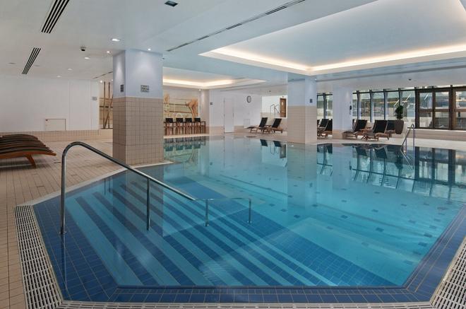 Hilton Prague - Prague - Pool