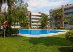 Apartamentos Ibersol Spa Aqquaria - Salou - Alberca