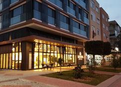 Özyigit Otel - Gazipaşa - Toà nhà