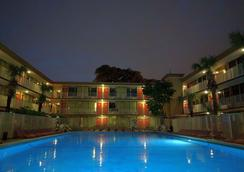 Red Carpet Inn Airport Fort Lauderdale - Fort Lauderdale - Pileta