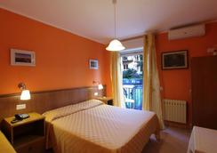 Hotel Innpiero Taormina - Taormina - Makuuhuone