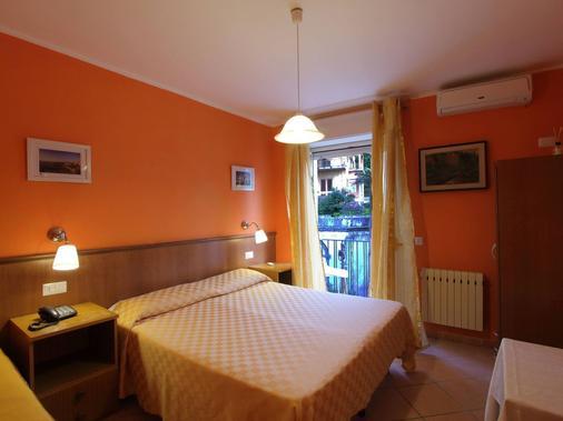 Hotel Innpiero Taormina - Taormina - Phòng ngủ