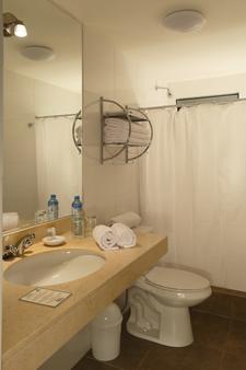 Casa Suyay - Lima - Bathroom