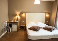 Hotel Amirauté - Cannes - Bedroom