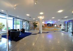 H+ Stade - Stade - Lobby