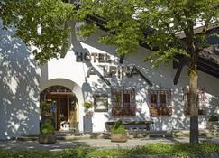 Hyperion Hotel Garmisch-Partenkirchen - Garmisch-Partenkirchen - Outdoors view