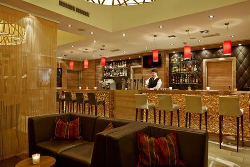 特雷弗呂貝克城市中心酒店 - 呂貝克 - 呂貝克 - 酒吧