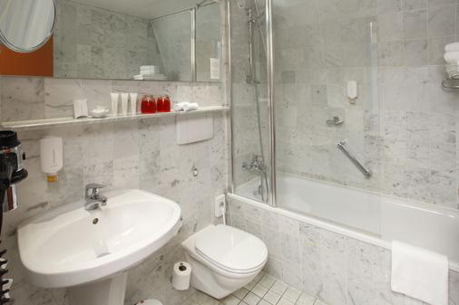 H4 Residenzschloss - Bayreuth - Bathroom